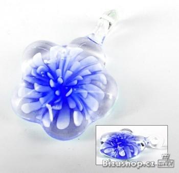 Skleněný přívěsek modrá Květina Zyta 284205