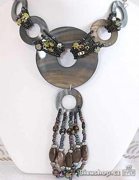 Náhrdelník s rokailem perletí 1700