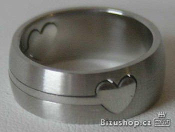 Prsten z chirurgické oceli Srdíčko