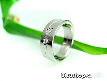 Chirurgická ocel snubní prsten se Zirkony Carmen 15815200