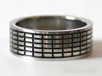 Prsten z chirurgické oceli 1514024X